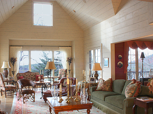 Interior design comfortable cozy on lake toxaway nc for Lake house interior designs