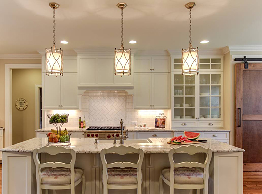 Spectacular kitchens of north carolina nc design online for Interior design lighting trends